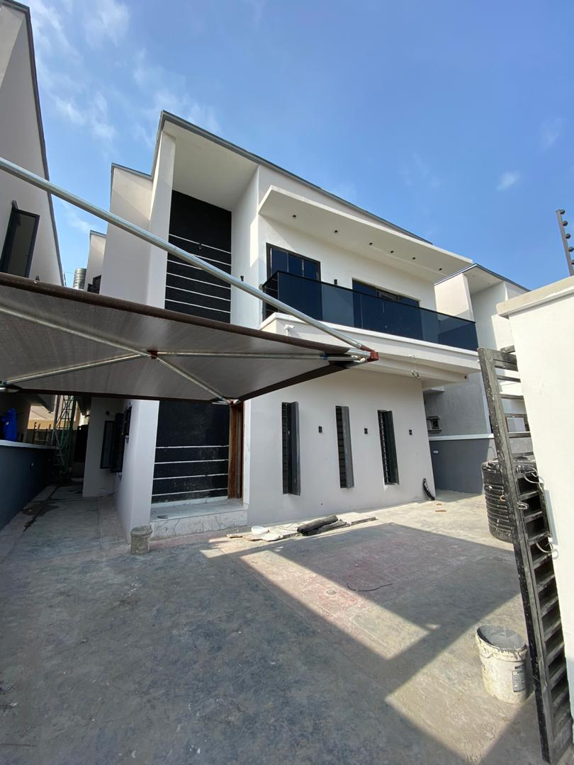 4 Bedroom detached with a Bq selling